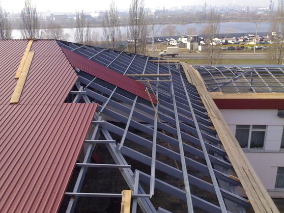 Крыша из профлиста.